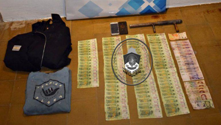 Salió del banco, lo asaltaron y le robaron 60 mil pesos