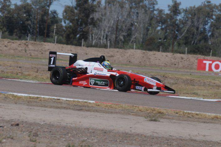 Lucas Vicino regresó con una victoria a la Fórmula 2.0 Renault