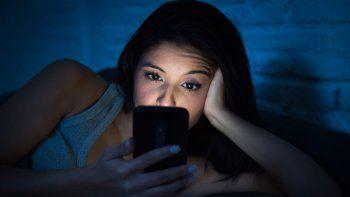 el exceso del celular puede acercar a los jovenes a la depresion