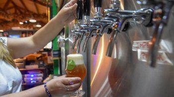las cervecerias sostienen precios para mantenerse