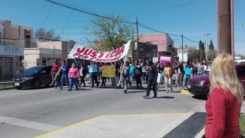 Crimen de Luciano: vecinos de Cutral Co y Plaza Huincul cortan la 22 y piden por Gendarmería