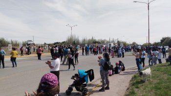 tras el crimen de luciano, vecinos sitiaron la comarca a la espera de gendarmeria