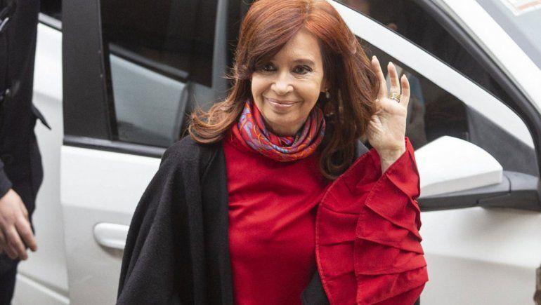 Cristina cambió su vuelta al país y llegará mañana