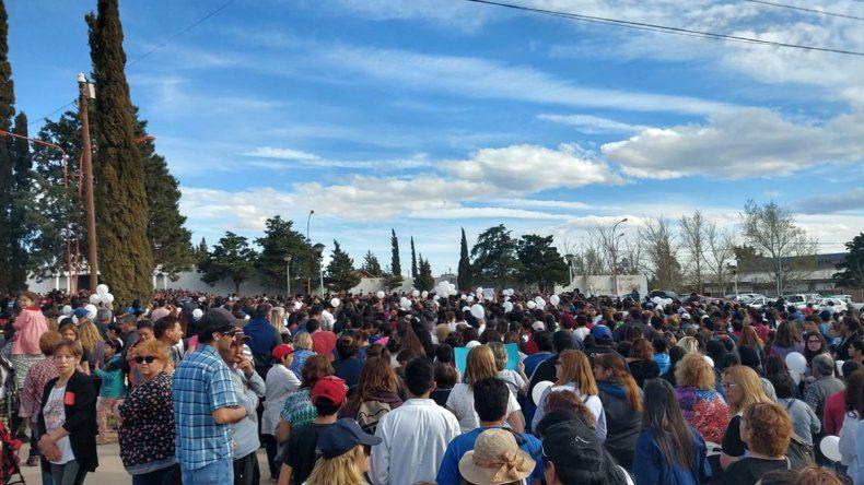 Dolor y conmoción: la comarca petrolera despidió a Luciano