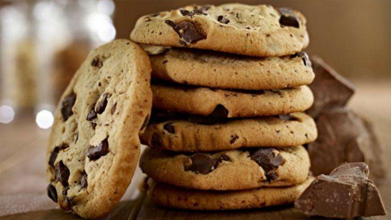 La ANMAT prohibió una marca de galletitas que pusieron en riesgo la vida de un chico
