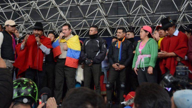 Ecuador: secuestran a 8 policías por las muertes de indígenas