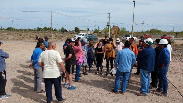 En una protesta por servicios, vecinas bloquearon el avance de una obra