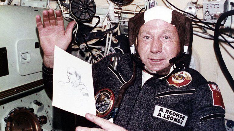 Falleció Leónov, el primer caminante espacial soviético