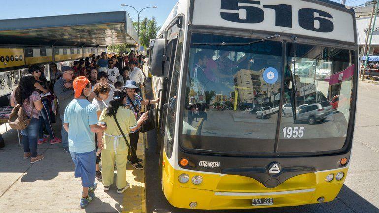 Pechi sancionará a Autobuses Neuquén por menos frecuencias