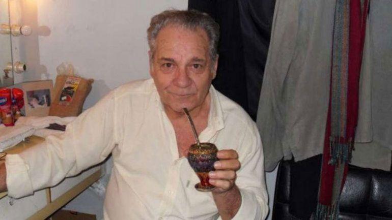 Por la crisis, Hugo Arana vendió su auto y sacó la SUBE