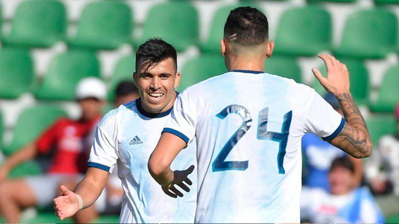 Dos asistencias y un medio gol del neuquino Acuña en el 6 a 1 de Argentina a Ecuador