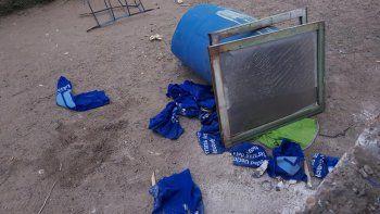 indignacion en plottier: rompieron todo y desvalijaron un club de futbol