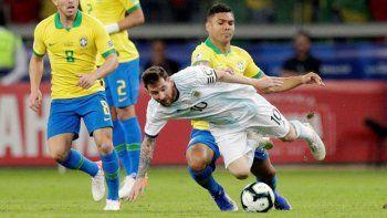el clasico frente a brasil ya tiene fecha  y escenario