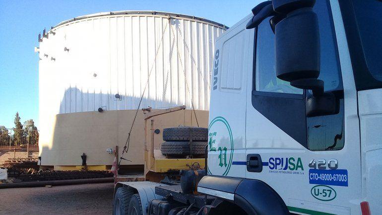 Piden precaución por el traslado de un tanque de petróleo