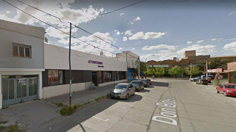 Aprovecharon un descuido de una empleada y robaron 29 mil pesos de un gimnasio en el bajo