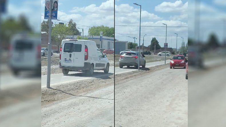 Imprudentes al volante: hicieron sobrepasos por la ciclovía y los escracharon
