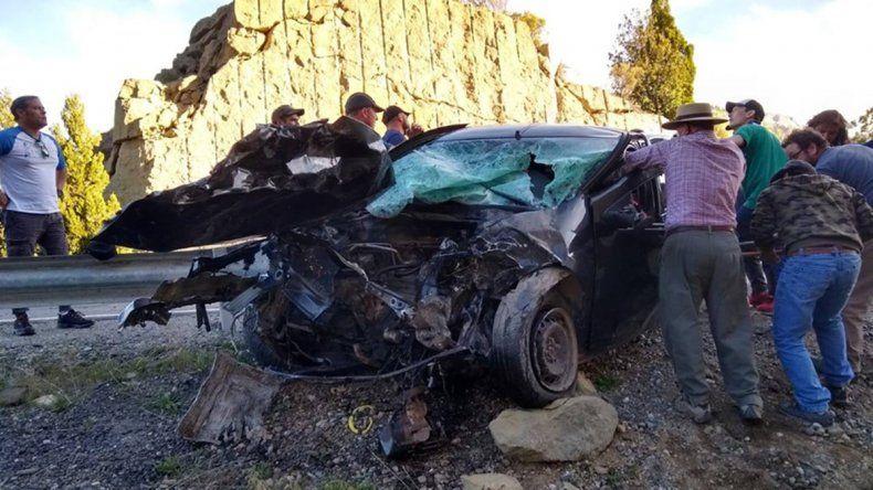 Un papá y su hijo murieron en un choque frontal sobre la Ruta 237