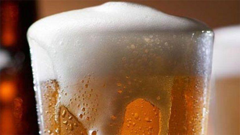 La ANMAT prohibió una marca de cerveza, galletitas y aceite de oliva
