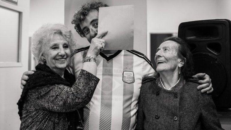 Con miles de fotos, el #ChallengeXLaIdentidad pegó fuerte en las redes