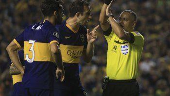 la polemica del partido: gol anulado a boca por ¿mano de mas?
