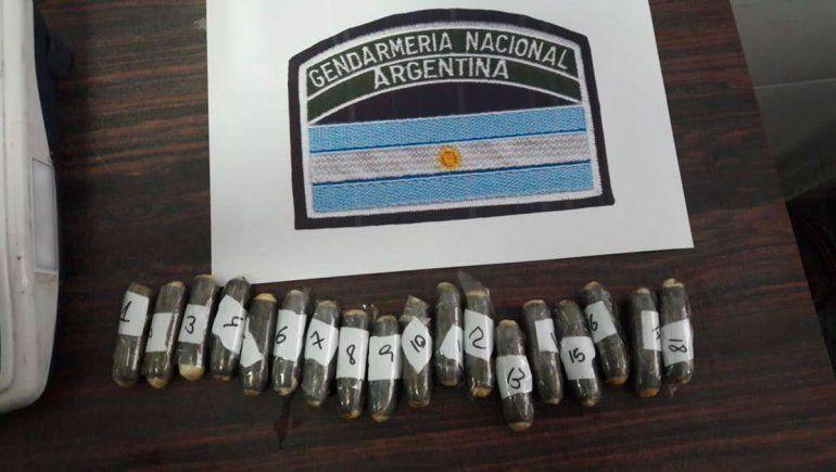 Tucumán: pescan a dos mulas con 119 cápsulas de cocaína