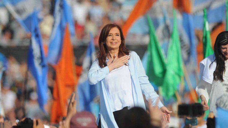 Reaparece CFK en apoyo a Axel y a Alberto Fernández