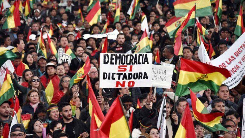Bolivia recuenta votos: no se sabe si habrá ballotage