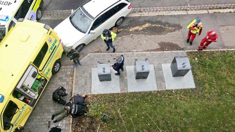 Hombre armado robó ambulancia y atropelló a la gente