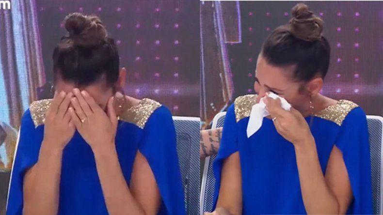 Pampita rompió en llanto en ShowMatch tras recibir una triste noticia familiar