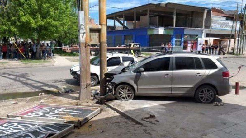 Estremecedor video: una madre murió al ser atropellado y sus dos hijas están graves