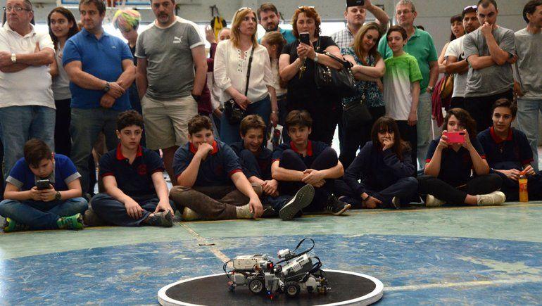 Una muestra de la pasión de los chicos por los robots