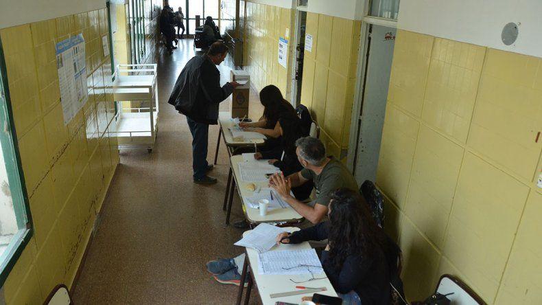 Comienza el pago a las autoridades de mesa en las elecciones