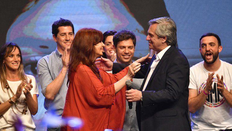 Alberto y Cristina convocan al acto de traspaso de mando