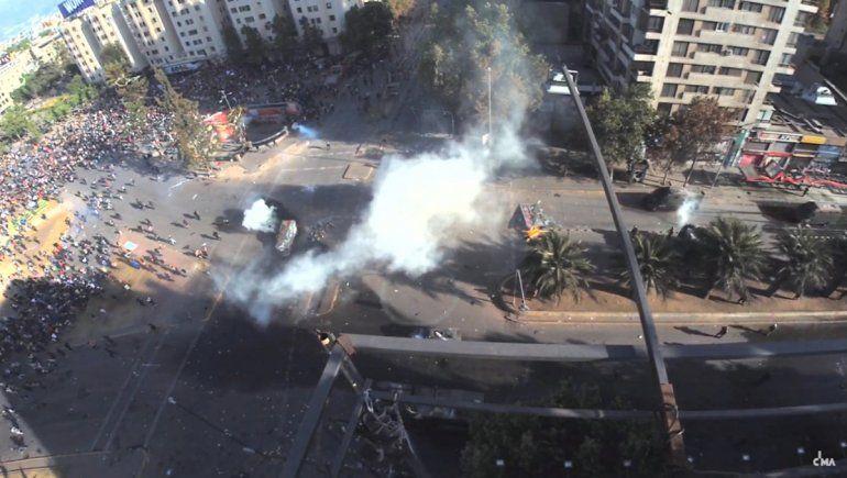 Así comenzaba la represión sin motivo de los carabineros en Chile