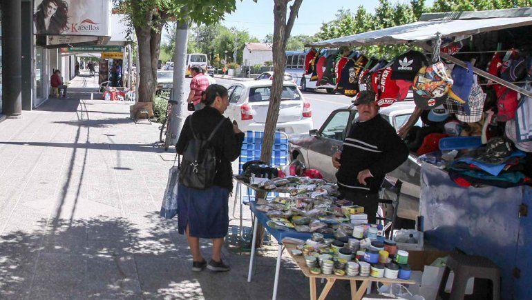 Cayó casi el 5% la cantidad de puestos callejeros en el Bajo