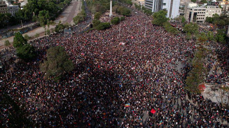 Chile: más marchas y más cacerolas contra Piñera