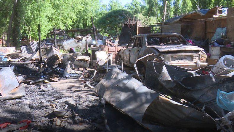 Se incendiaron dos casas en Confluencia y se quedaron con lo puesto