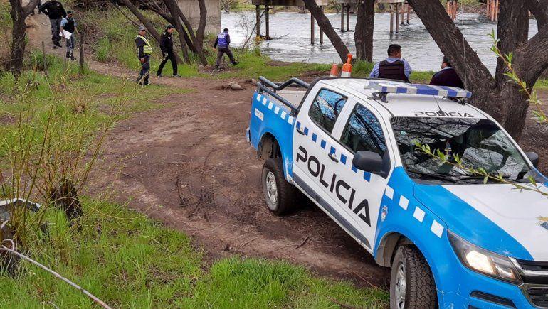 Un municipal les advirtió que no podían pescar y le respondieron con un tiro