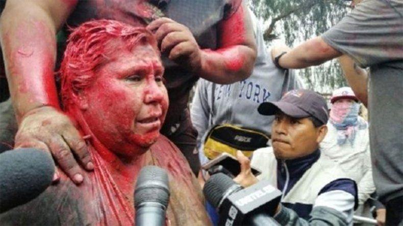 Bolivia: Opositores a Morales incendiaron el municipio de Vinto y agredieron a la alcadesa