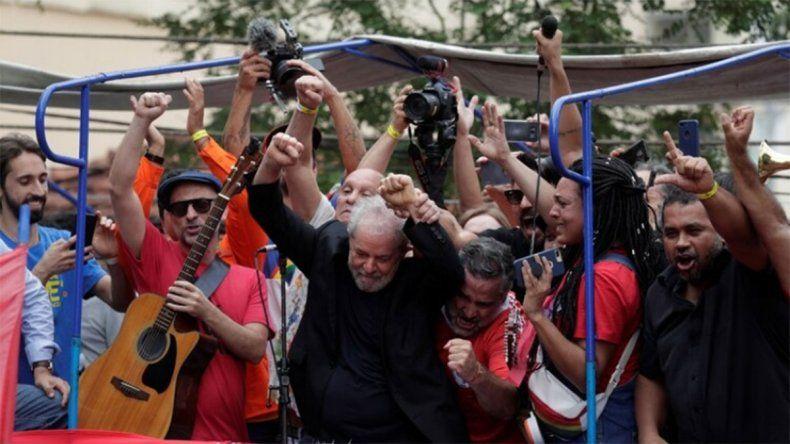 Lula dijo que decidió ir a la cárcel y no al exilio para probar la mentira en su contra
