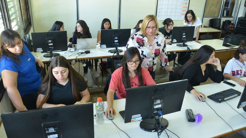 Una apuesta para sumar mujeres a la informática