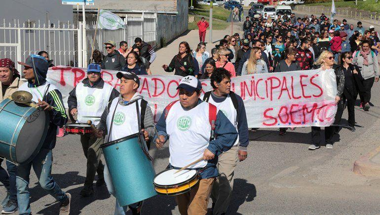 Municipales no se rinden y piden una suba en los salarios