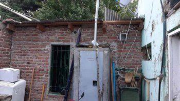 por el techo se roban herramientas de un deposito municipal