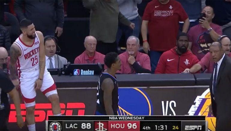 NBA: Hizo echar a su padre y lo celebró en la cancha y en las redes