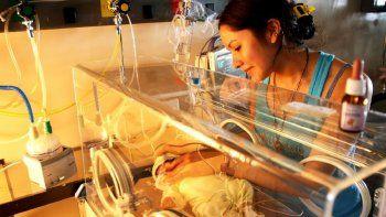 por ano, nacen mas de 7.500 bebes prematuros en argentina