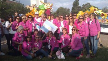 200 remadoras comienzan las regatas contra el cancer
