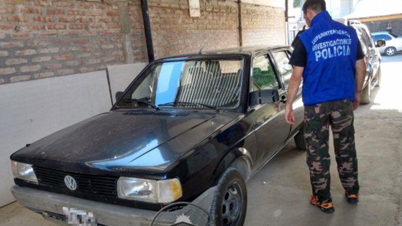 Fue a hacer la verificación vehicular y le secuestraron el auto