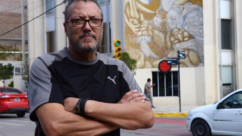 Pintó el horror de la dictadura en pleno centro de la ciudad
