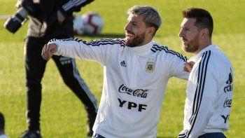 clasico ante uruguay: messi, el kun y nueve mas para cerrar el ano