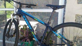 vista alegre sur: asaltaron a una ciclista con un cuchillo de carnicero